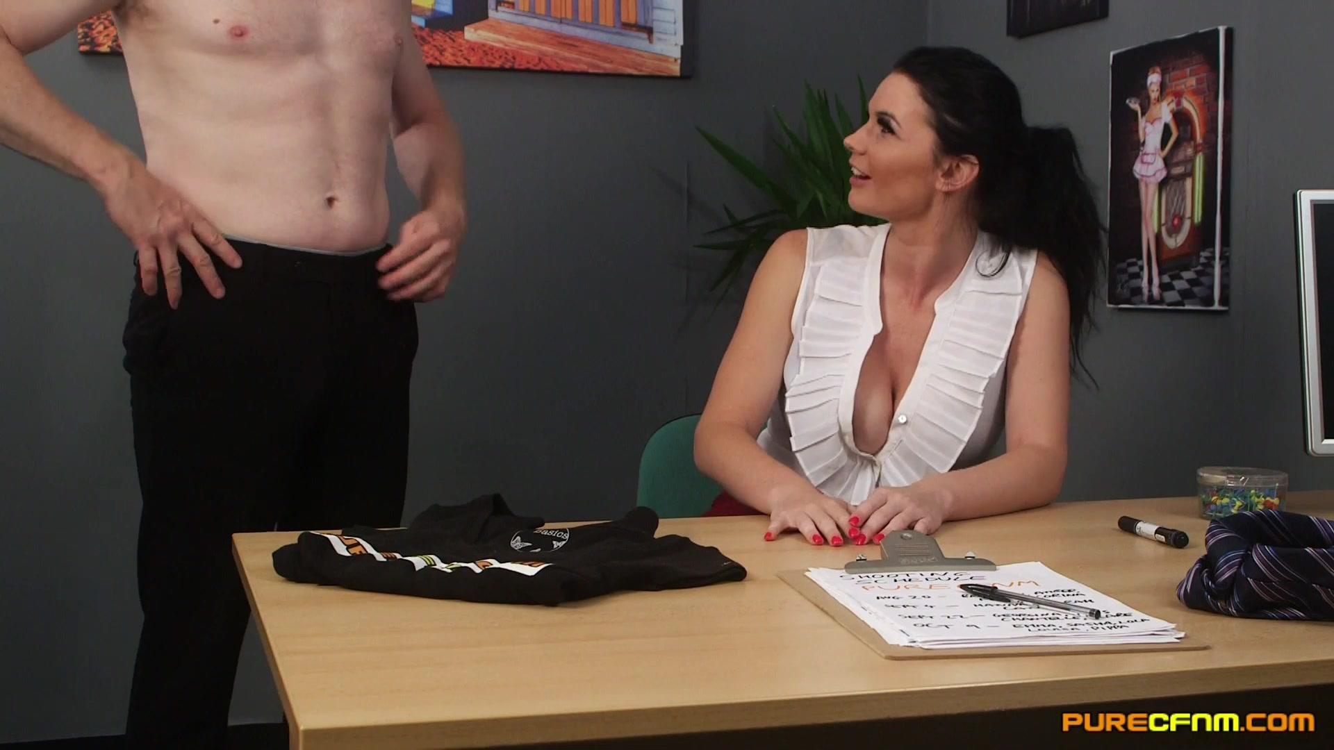 Секс девушка здайот екзамен
