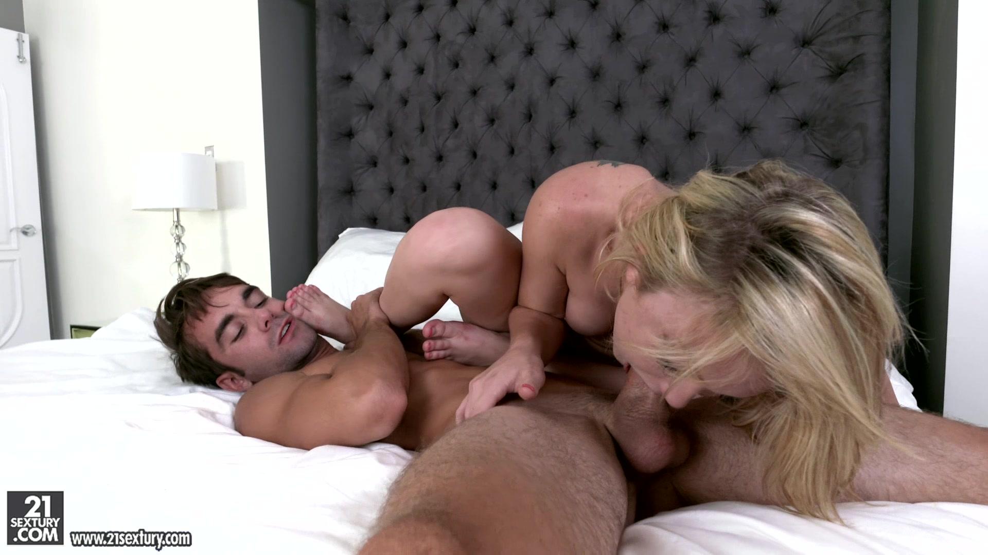 Порно разбудил зрелую 6 фотография