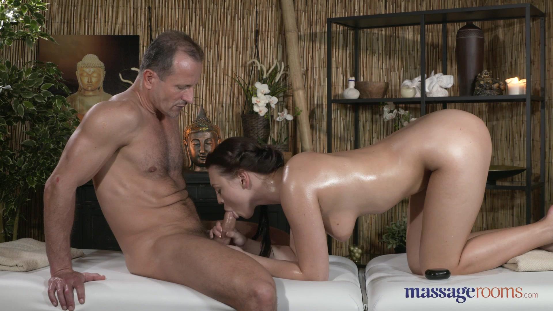 Смотреть порно чужая жена на массаже 0 фотография