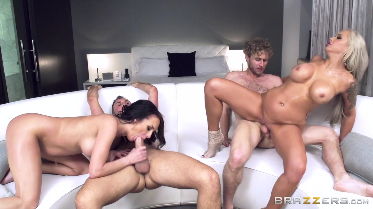 страстный секс вчетвером