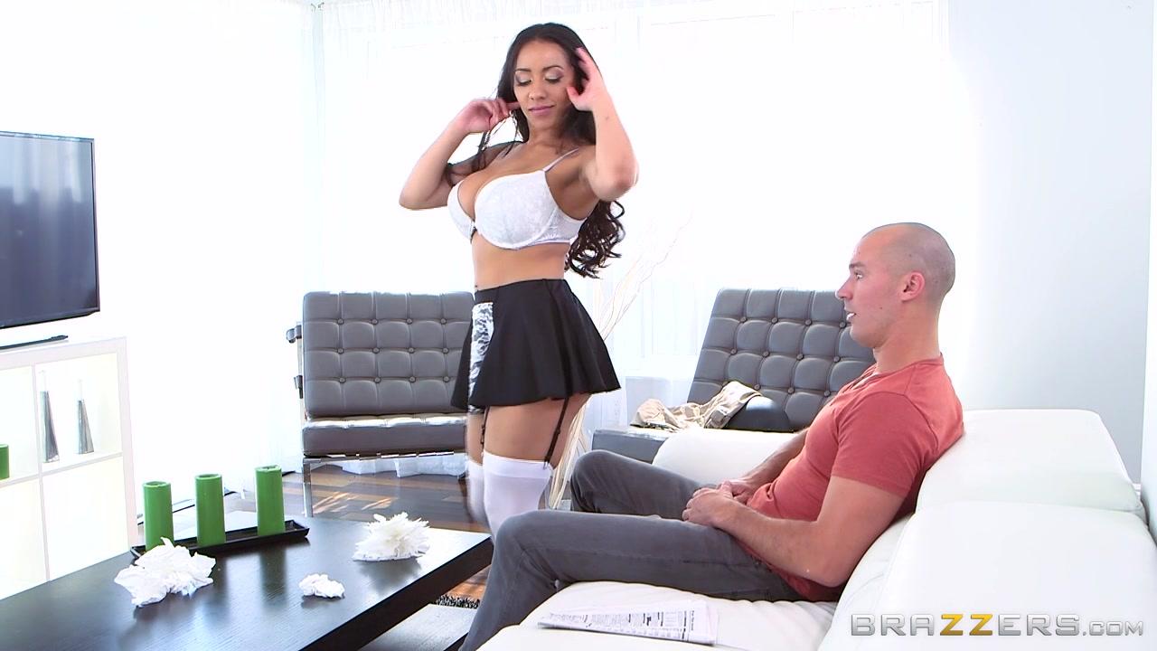 порно сексуальная уборщица