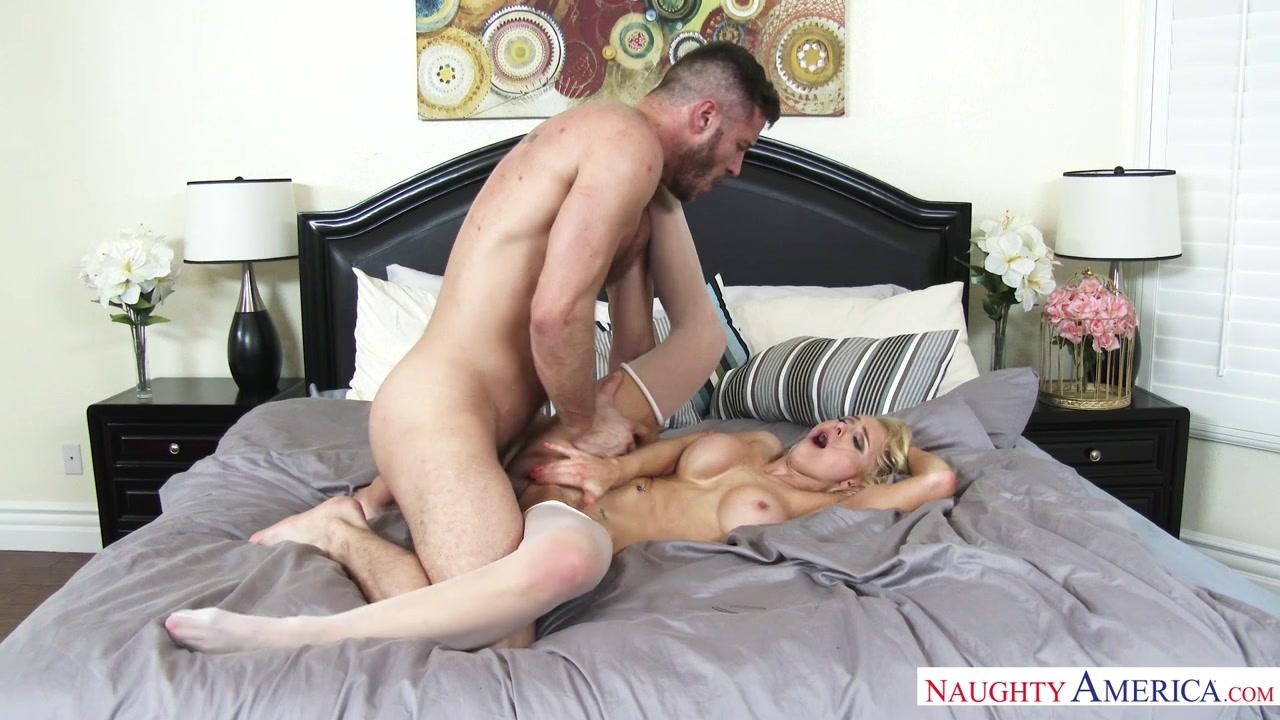 смотреть секс в брачную ночь-бю2